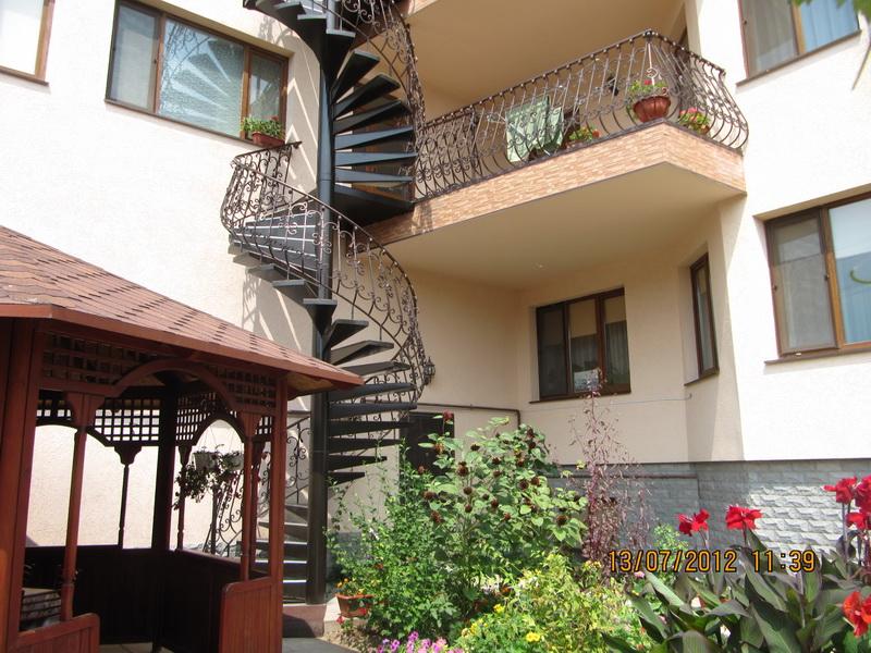 На балконе приятно посидеть вечерами