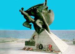 Памятник морякам Евпаторийского морского десанта