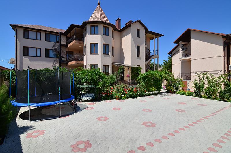 Красивые дома оригинальной архитектуры ждут вас!