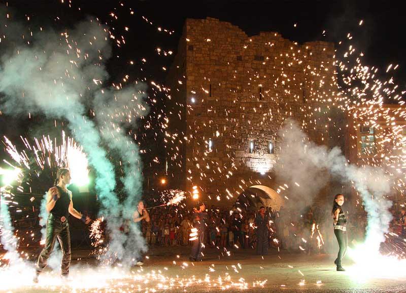 Танец в огненной круговерти