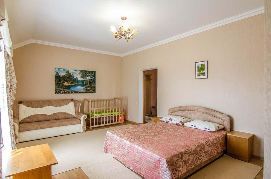 Кровать очень просторная и удобная