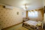 Роскошная двухспальная кровать с ортопедическим матрацом